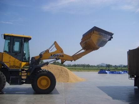 LG938收获季节在泰国稻米装载
