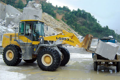 Lingong loaders at a quarry of Shandong Laizhou