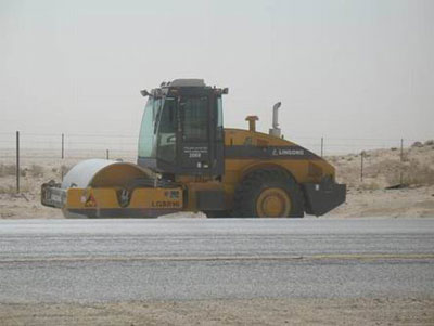 LGS818 road roller traveling in Saudi Arabia