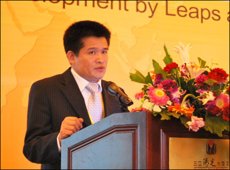 Executive of SDLG Yu Mengsheng Delivered a Speech