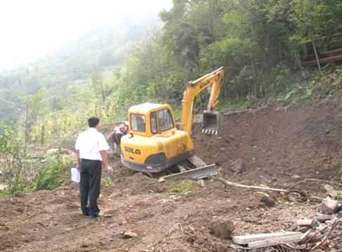 SDLG helps Yingxiu,Sichuan scene